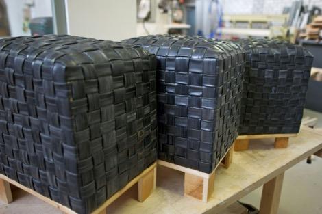 Poufs faits avec des chambres à air recyclées aux Pays-